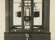 A Damped Analytical Balance